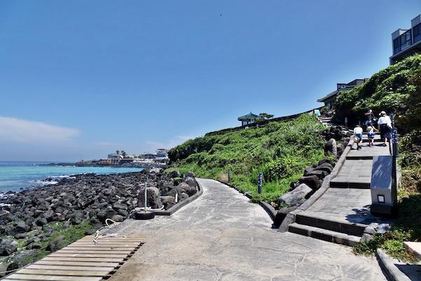 Gwakji Gwamul beach in jeju island