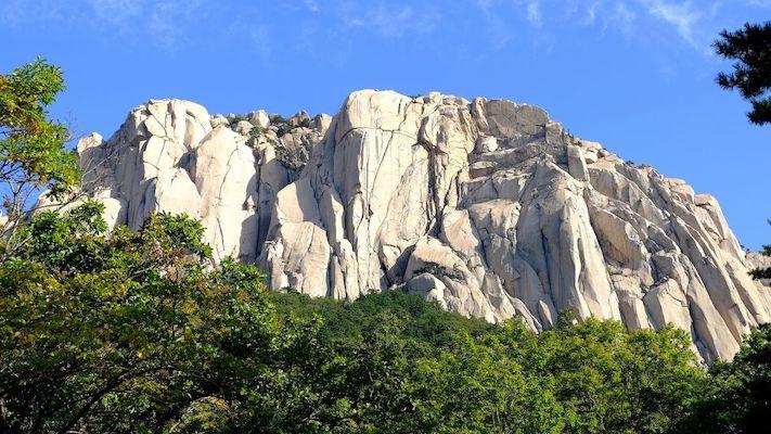 Ulsanbawi Rock to take picture during autumn in korea