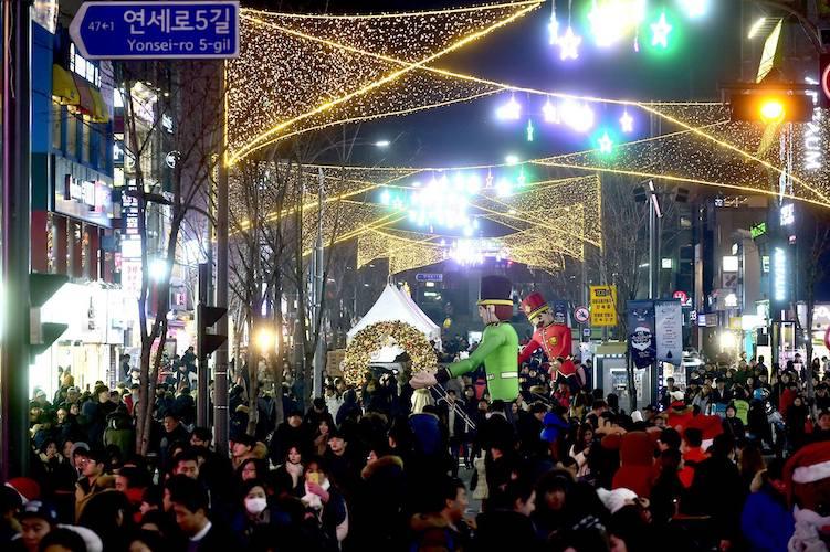 Sinchon Yonsei Ro christmas