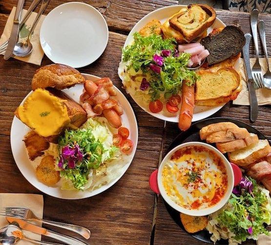 breakfast in seoul bear's den